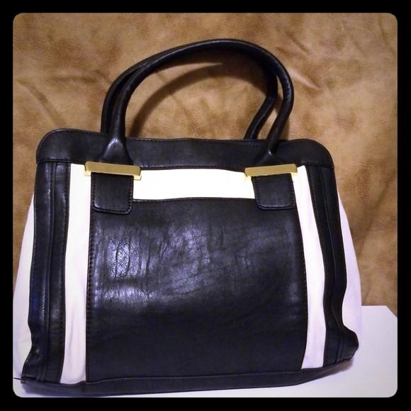 f8ae55316214 Mondani Bags | Mondoni Bag | Poshmark